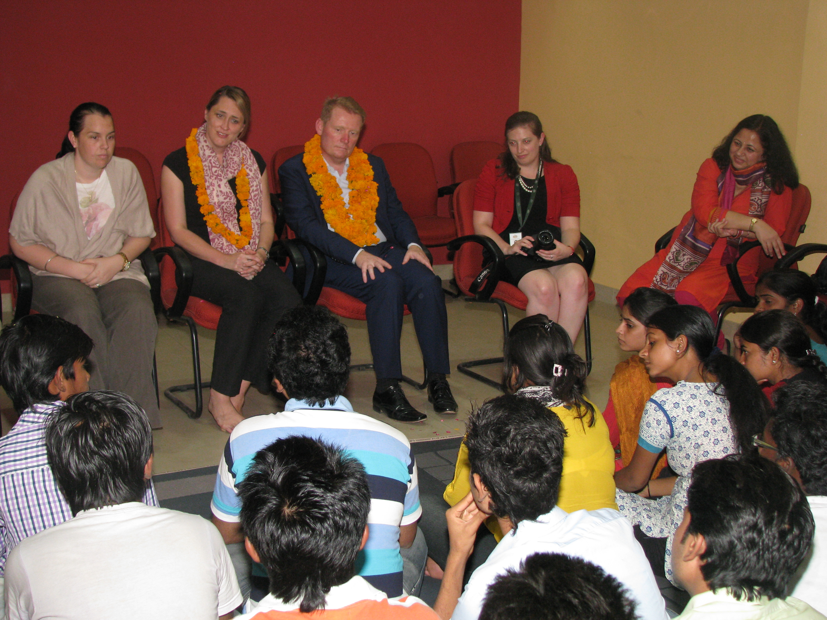 The Hon_ble Deputy High Commissioner interacts with the college students