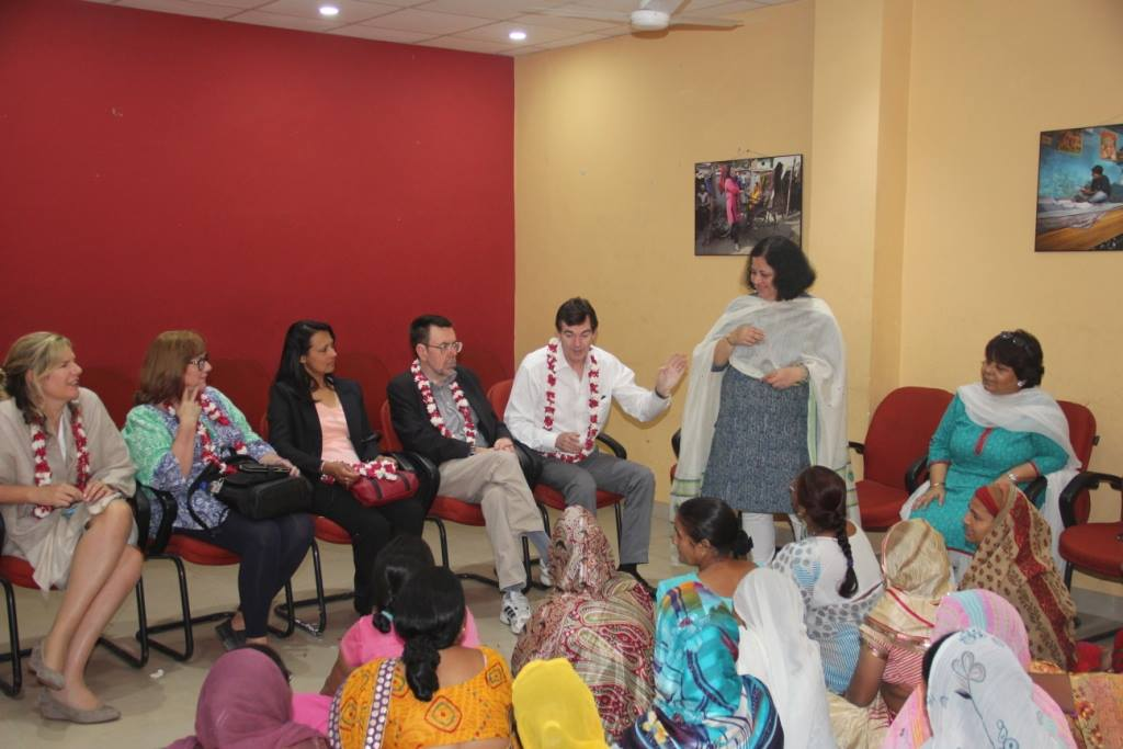 Dr Kiran and the delegates interacting with the Women's Association