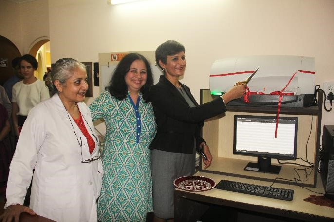 HE Ms Sidhu innaugurates the CR system of X Ray Machine.