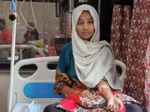 Asha student Sugra receives an urgent healthcare intervention by Asha